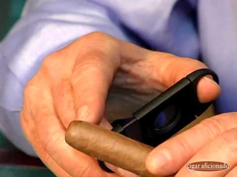 How to Cut a Cigar | Cigar Aficionado
