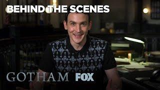 Robin Lord Taylor & Cory Michael Smith Ship Oswald & Nygma | Season 3 Ep. 7 | GOTHAM