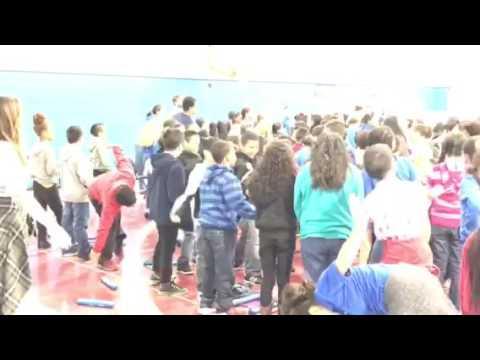 Glengary Elementary School- Mr Chris visits students