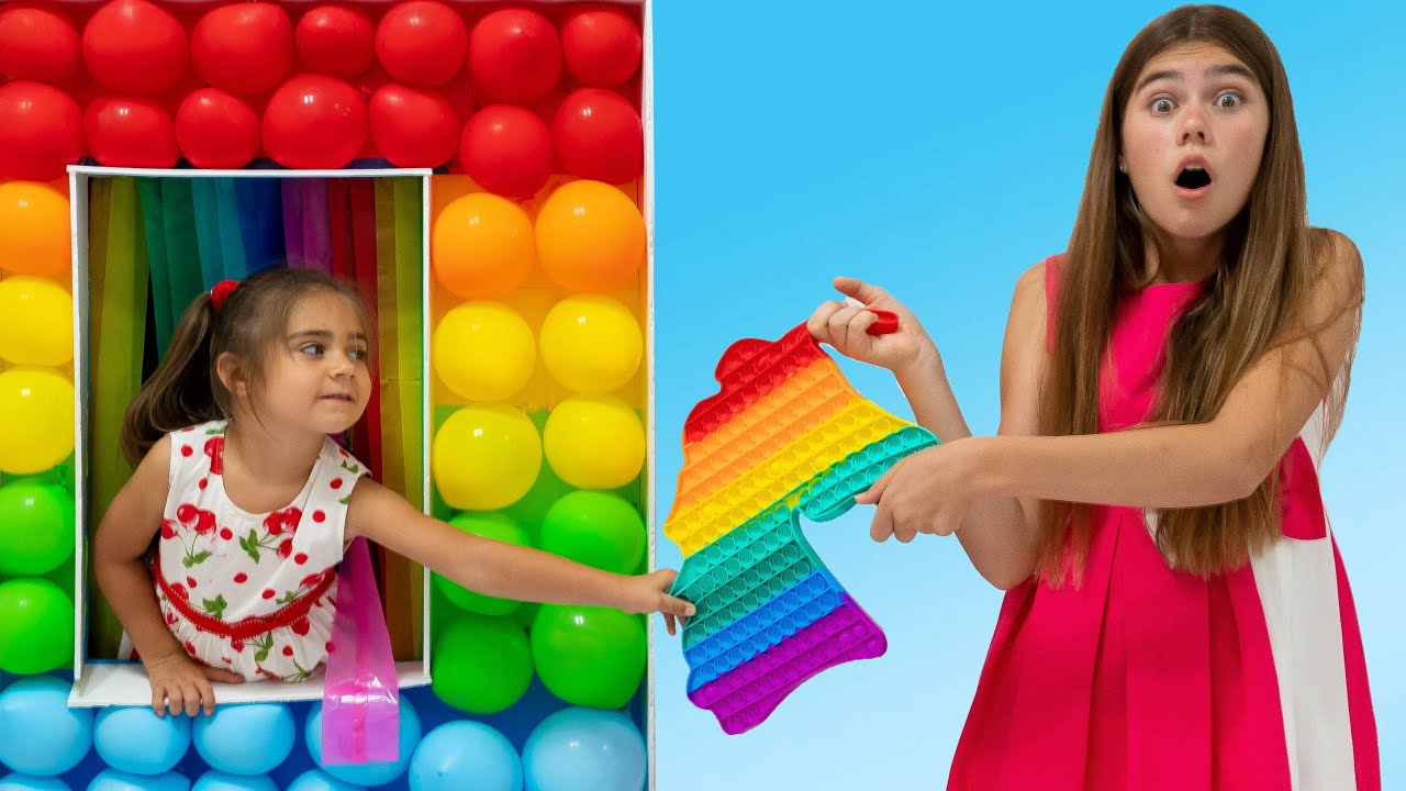 Nastya and Mia - story about how to share and be kind | POP IT device