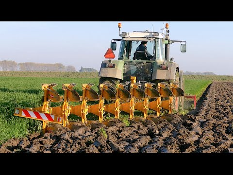 Ploughing using a 9 furrow Rumptstad ECO Plough | FENDT 824 Turbomatik | ploegen / Pflügen