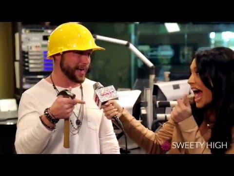 Chris Lane Fixes It With Sweety High!