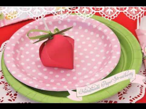 Diy strawberry shortcake birthday party decor ideas youtube - Strawberry themed kitchen decor ...