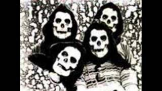 The Skeletons-She Drives Me Out of My Mind