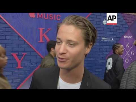 Norwegian DJ attends premiere of his documentary 'Stole the Show'; talks about nerves, VMA nominatio