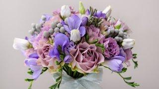 Cиреневый букет невесты из роз, фрезии и эустомы