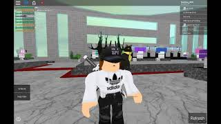 Player Vs Player for a battle clothing challenge roblox[READ DESC]