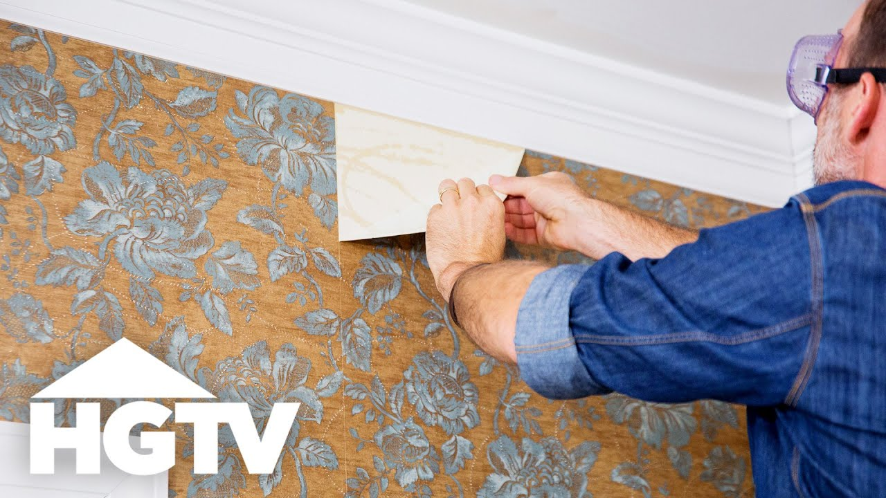 How to Remove Wallpaper - HGTV - YouTube