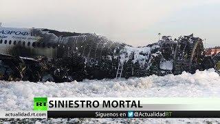 Las posibles causas de la catástrofe del avión incendiado en Moscú