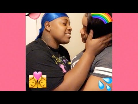 NO HANDS Kissing Challenge 😘💦❤️ (lesbian Couple)