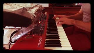 Смотреть Ilya Oleynikov (Илья Олейников) playing music from cinema онлайн