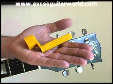 Easy Guitar Lesson - Learn How To Use A String Winder - Basic Example