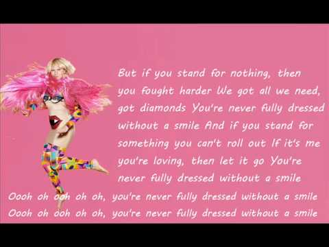 Sia - You're Never Fully Dressed Without a Smile (lyrics)