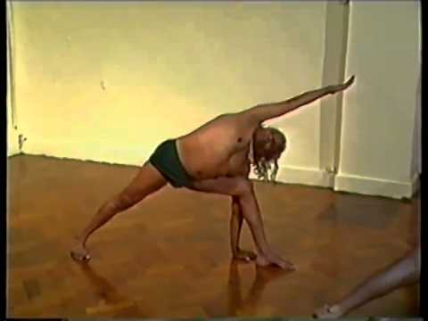 BKS Iyengar Teaching Yoga asana class London 1985 part1 of 2 (Clip 1 of 4)