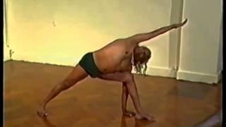 BKS Iyengar Teaching Yoga asana class London 1985 part1 of 2 (Clip 1 of 4)