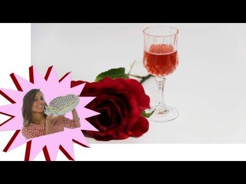 Rosolio - Liquore di Rose Fatto in Casa - Le Ricette di Alic