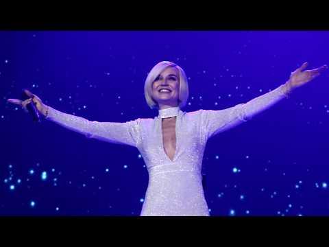 Смотреть Big Love Show 2018 - Полина Гагарина — Обезоружена - Ледовый Дворец онлайн