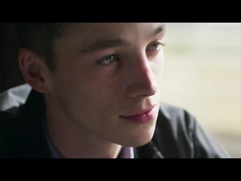 Влюбленные одиночки (2016) трейлер
