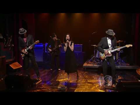 PJ Harvey & John Parish - Black Hearted Love (06/12/09 - Letterman) HD