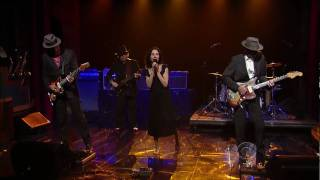 PJ Harvey & John Parish - Black Hearted Love (06/12/09 - Letterman) HD
