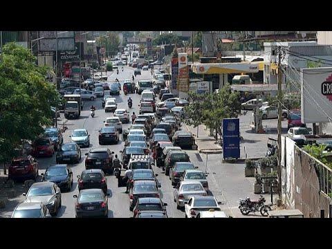 شاهد: طوابير طويلة أمام محطات الوقود ترسم وجهاً آخر لأزمة لبنان الاقتصادية…  - 21:54-2021 / 6 / 11
