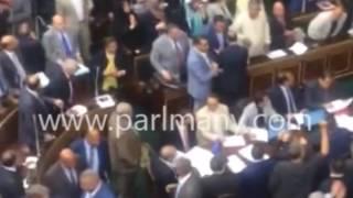 بناء وترميم الكنائس.. بالصور و الفيديو..على عبد العال يرفع علم مصر احتفالا بإقرار القانون