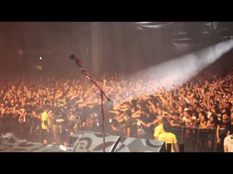"The Soul Rebels with Marilyn Manson - ""The Beautiful People"" live in Tokyo"