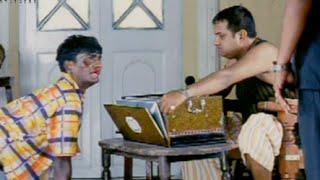 Video Gullu Dada Entrance Comedy - Fun Aur Masti (FM) Movie Scenes download MP3, 3GP, MP4, WEBM, AVI, FLV Mei 2018