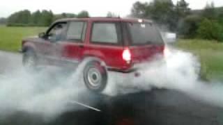 Ford explorer 4x4 '93 4.0 V6 lifted offroader BIG burnout