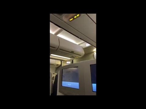Falso allarme dirottamento, scuse imbarazzate del pilota ai passeggeri: ''Errore in cabina''