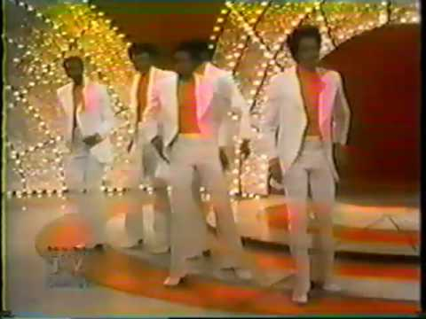The Temptations - Smiling Faces Sometimes/Superstar Medley (1972)