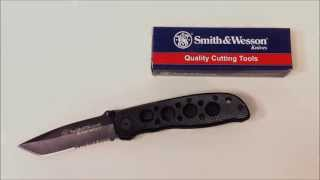 Video Smith and Wesson Extreme Ops Folding Knife: Super-Basic EDC Blade download MP3, 3GP, MP4, WEBM, AVI, FLV September 2017