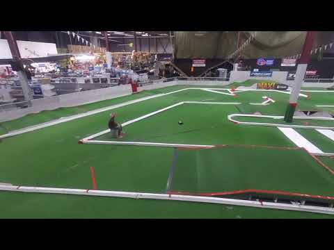Team Associated AE Reflex 14T first test drive at the Yard Track