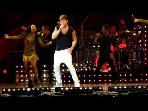 Ricky Martin - La Mordidita - One World Tour 2016 - Movistar Arena Santiago - Chile - Full HD