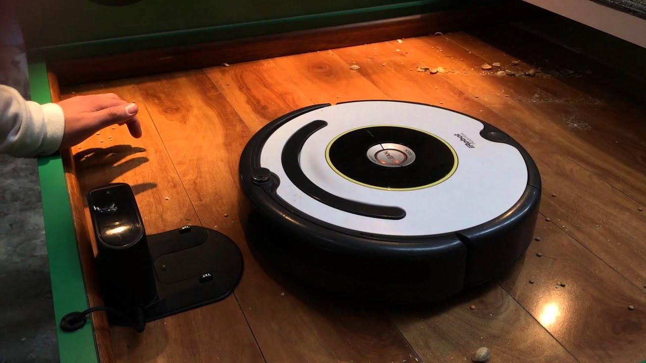 191 Existe Robotina Un Robot Que Limpia La Casa Tecnetico