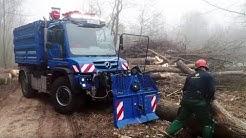 Kraftpaket Mercedes-Benz Unimog U 530 im Garten- und Landschaftsbau in Aktion bei RKF Bleses