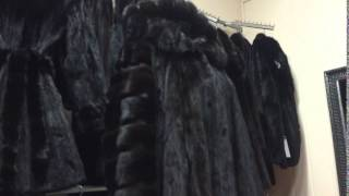Как выглядит настоящая норковая шуба - новая коллекция(Друзья, новая коллекция норковых шуб и полушубков в магазине FUR STAR - http://norkovajashuba.com/ На этом видео женская..., 2015-10-05T18:18:46.000Z)
