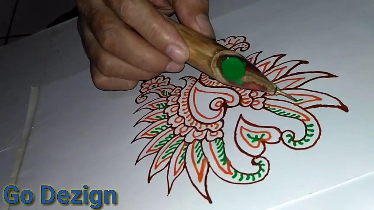 Seni Menggambar Batik Di Kertas Dengan Canting Atau Alat Membatik 1