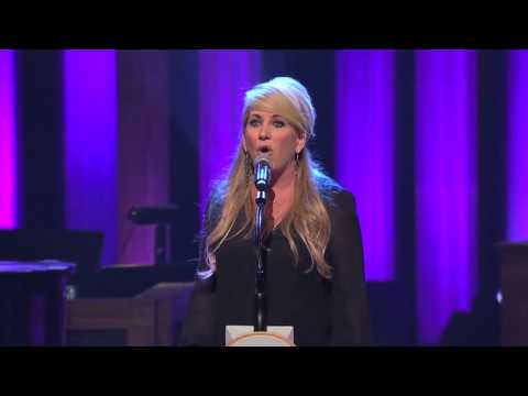 Lee Ann Womack performs George Jones' The Grand Tour Live at the Grand Ole Opry