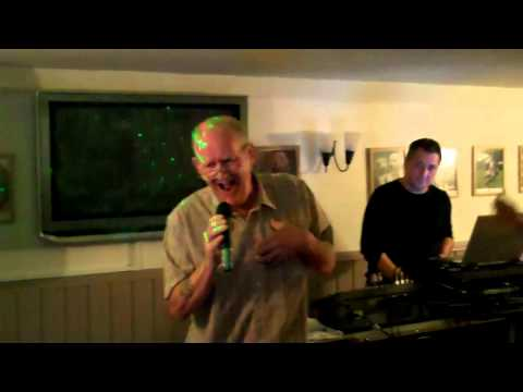 KARAOKE AT THE FOX AND HOUNDS  rickmansworth
