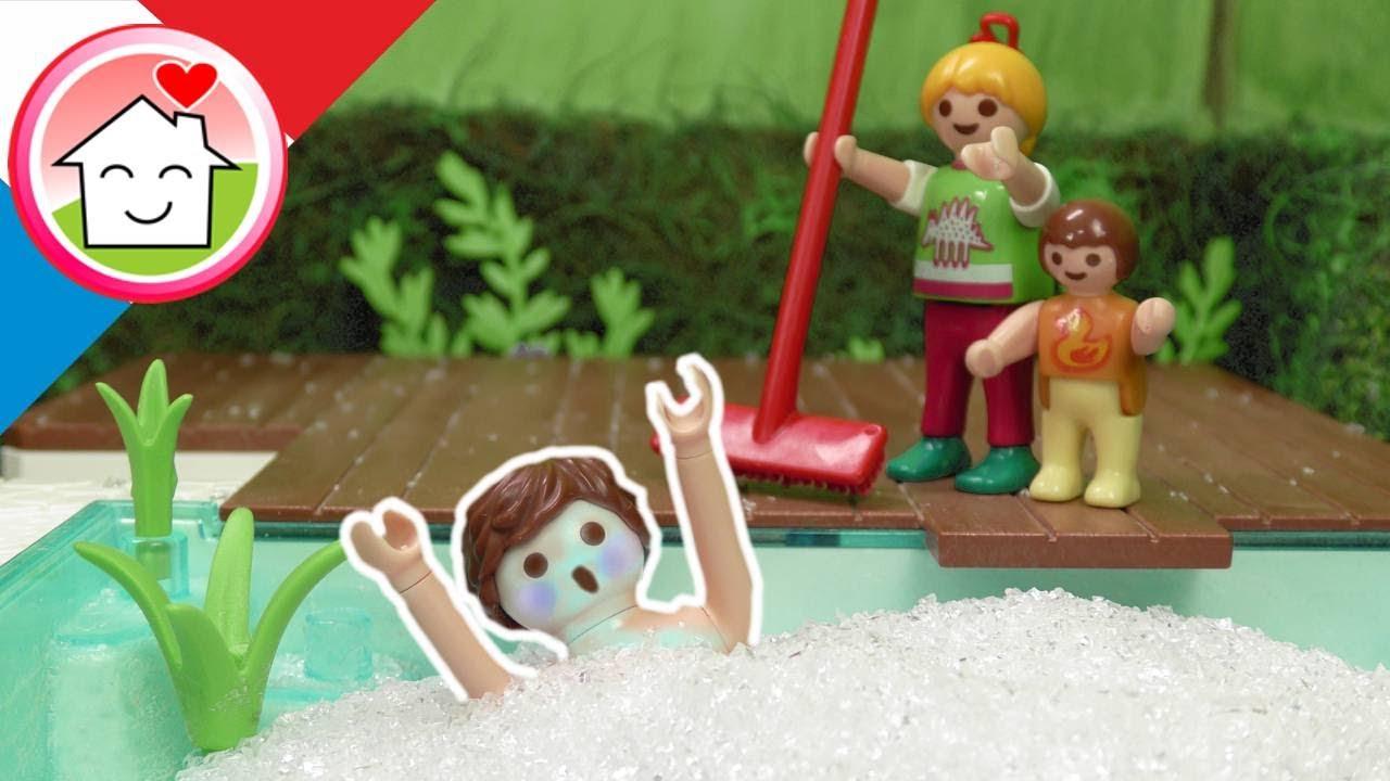 Playmobil en francais La famille Hauser dans la grêle - La famille Hauser