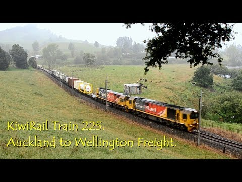 KiwiRail Train 225.  Auckland to Wellington Freight.