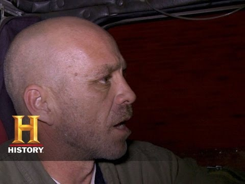 Download Big Rig Bounty Hunters: Shawn and Vince Wrestle the Lumberjack Rig (S2, E11) | History