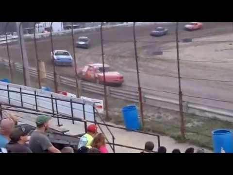 Raceway 7 - June 19, 2015 - Mini Stock Heat Race - Jonny Boyd
