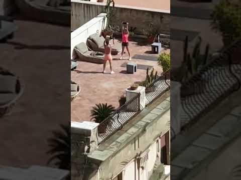 Mertens Si Allena Sul Terrazzo !!!