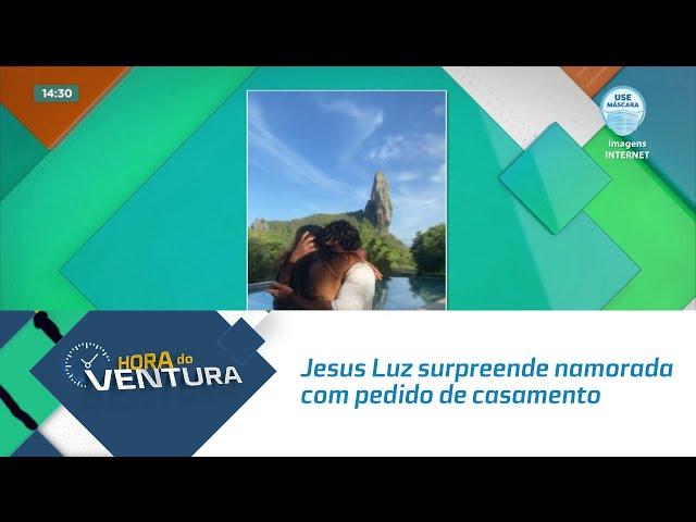 Jesus Luz surpreende namorada com pedido de casamento em Fernando de Noronha