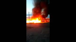 В Новоалтайске горит кафе Алтай и газовая заправка.
