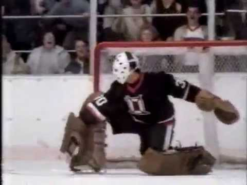 Hockey-Themed Commercial for Old Style Beer (1988)