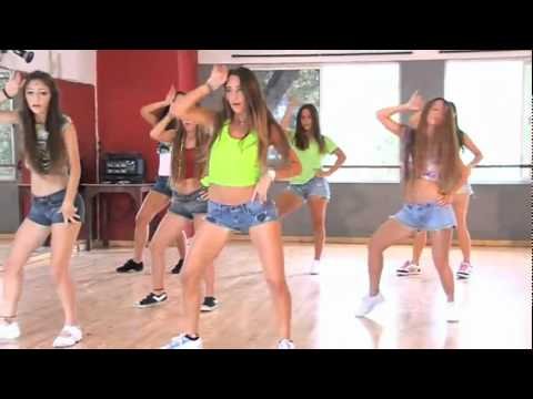 Danza Kuduro with girls