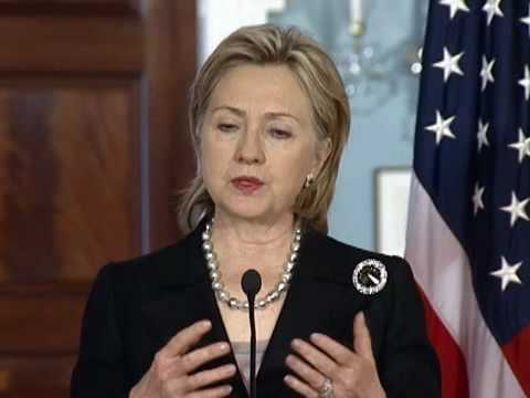 Secretary Clinton Meets with Danish Foreign Minister